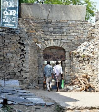 The historical gate way to Tungabhadra river Gopal Darwaza in Kurnool. / PHOTO: U.SUBRAMANYAM / The Hindu