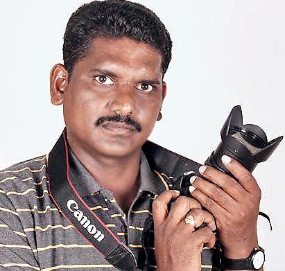 Lensman Ravi Seetaramaiah from Prakasam district who won AICS award