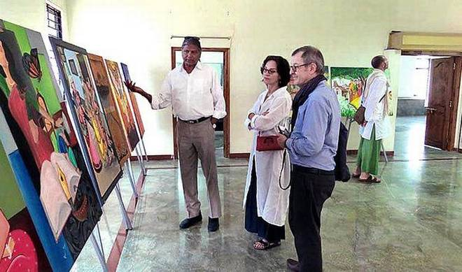A file photo of Deputy Director of The Metropolitan Museum of Art Carrie Barratt and Chief Curator Dr. John Guy with Prof Amareswar Galla at the Amaravathi Museum.